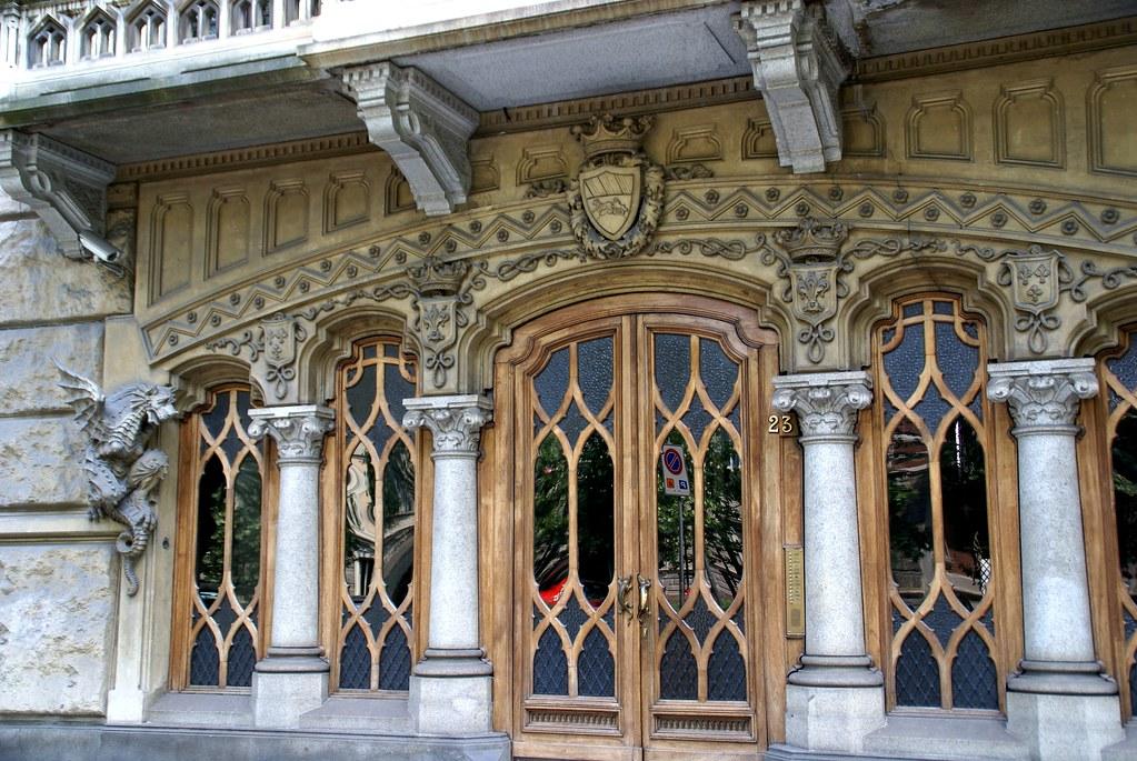 Torino corso francia casa dei draghi palazzo della vitto flickr - La casa della lampadina torino ...