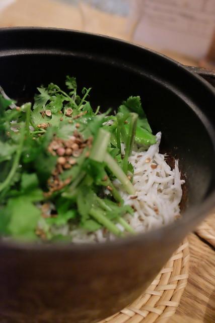 シラスとパクチーの炊き込みご飯本日のストーブ飯craftsman gotanda 25