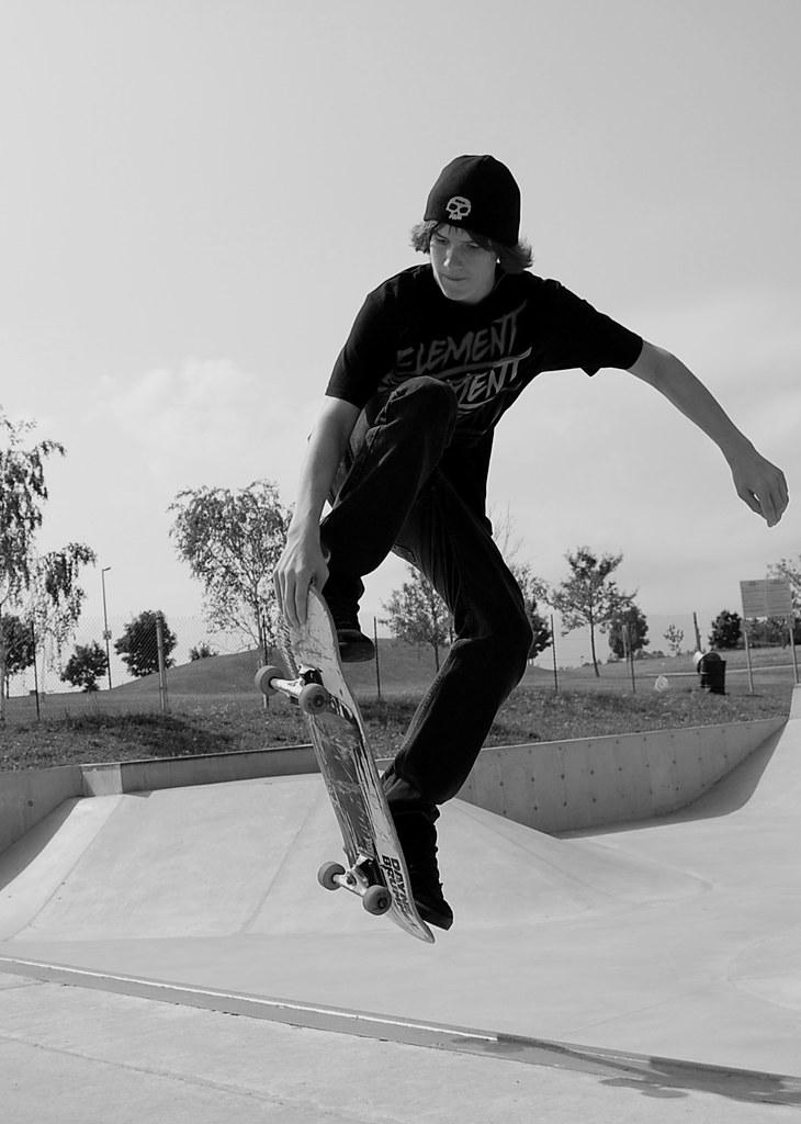 Skater Dude | Zac Efron's Buff Body | Us Weekly