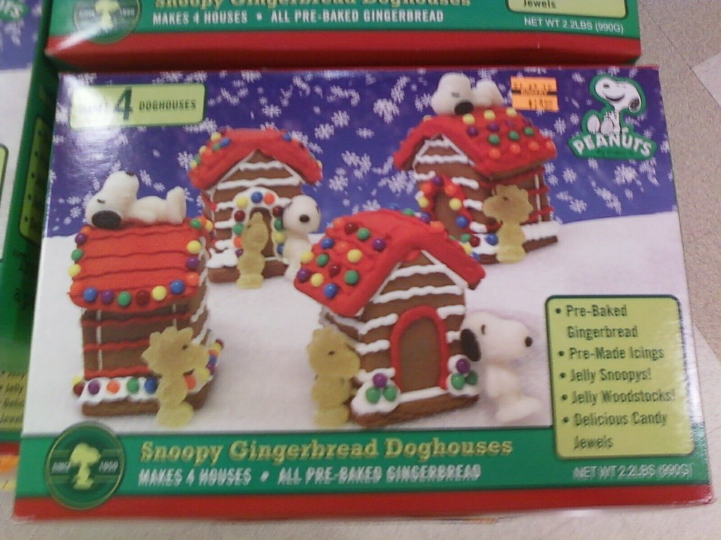 Snoopy Lovers Make Your Own Gingerbread Dog Houses Flickr