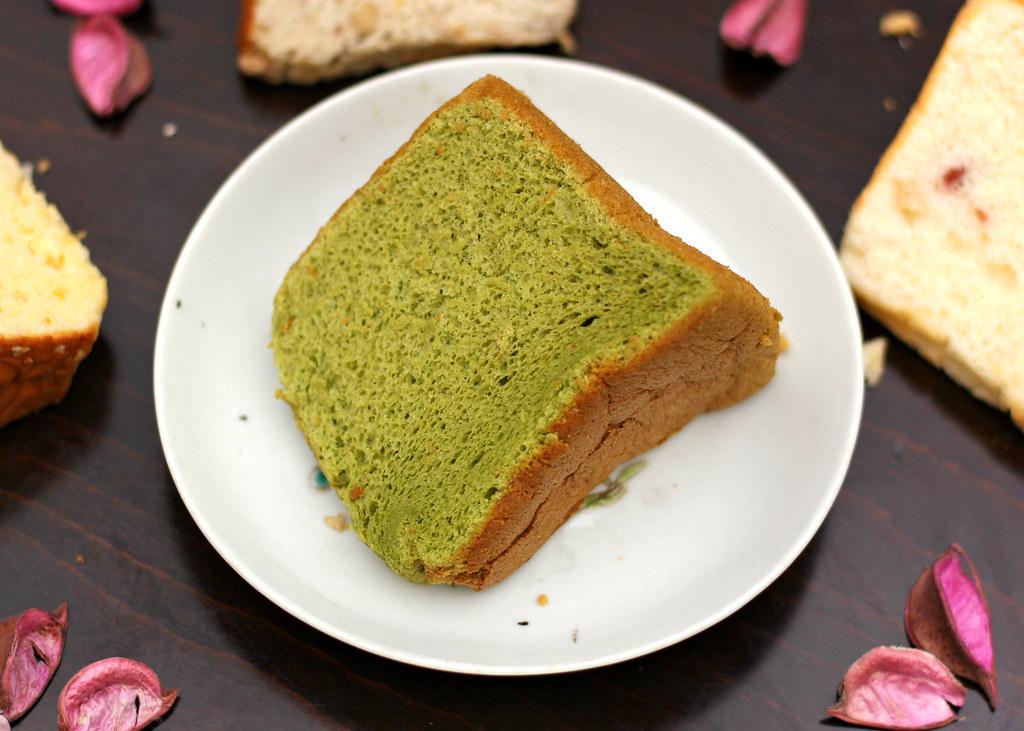 green-tea-honey-chiffon-cake