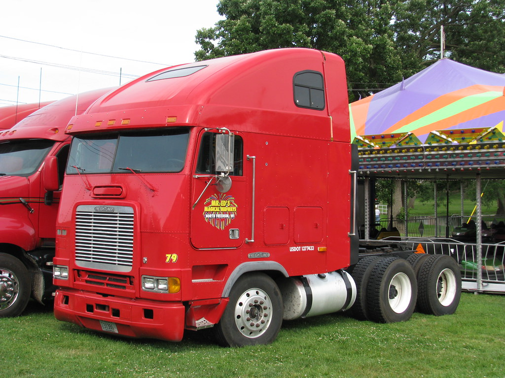 Freightliner FLB 9064   Columbus, WI, July 4th, 2009. This ...