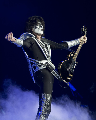 kiss   tommy thayer alive 35 tour   honda center   anahe flickr