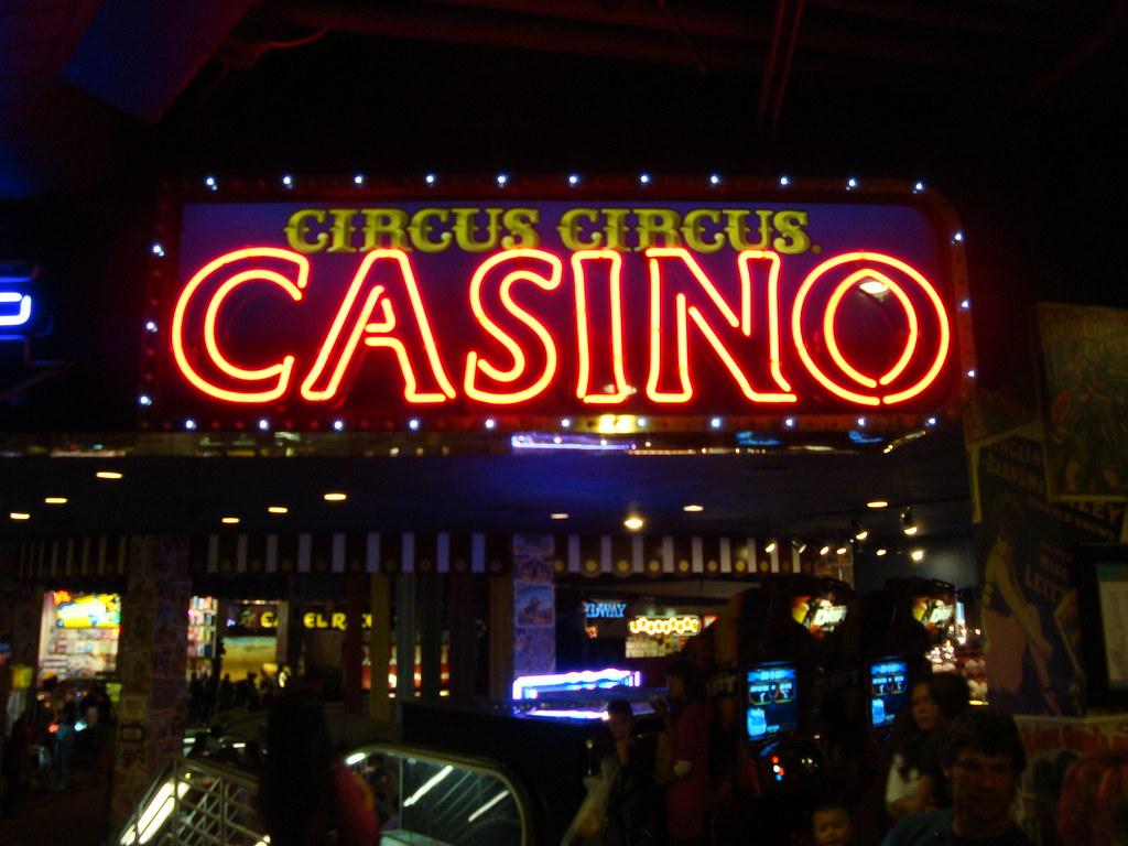 circus circus casino free drinks