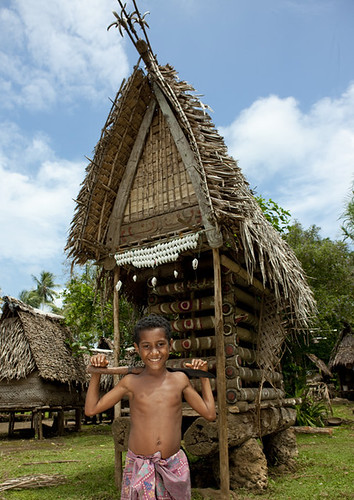 Are House: Yam House In Trobriand Village - Papua New Guinea
