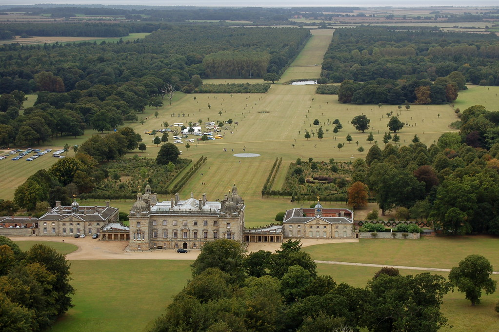 Houghton Hall The De Havilland Moth Club Was Invited For