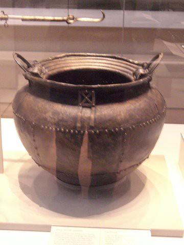 Celtic iron age artifacts , British Museum , a cauldron ...