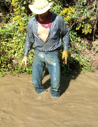 WS Yep, just bit excited soak'n wet in jeans   Flickr - Photo Sharing