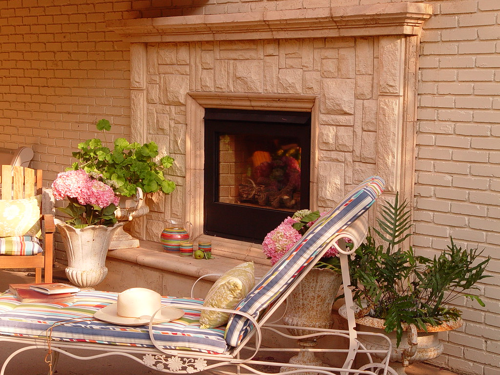 Austin stone fireplace outdoor living at its finest let for Austin stone fireplace