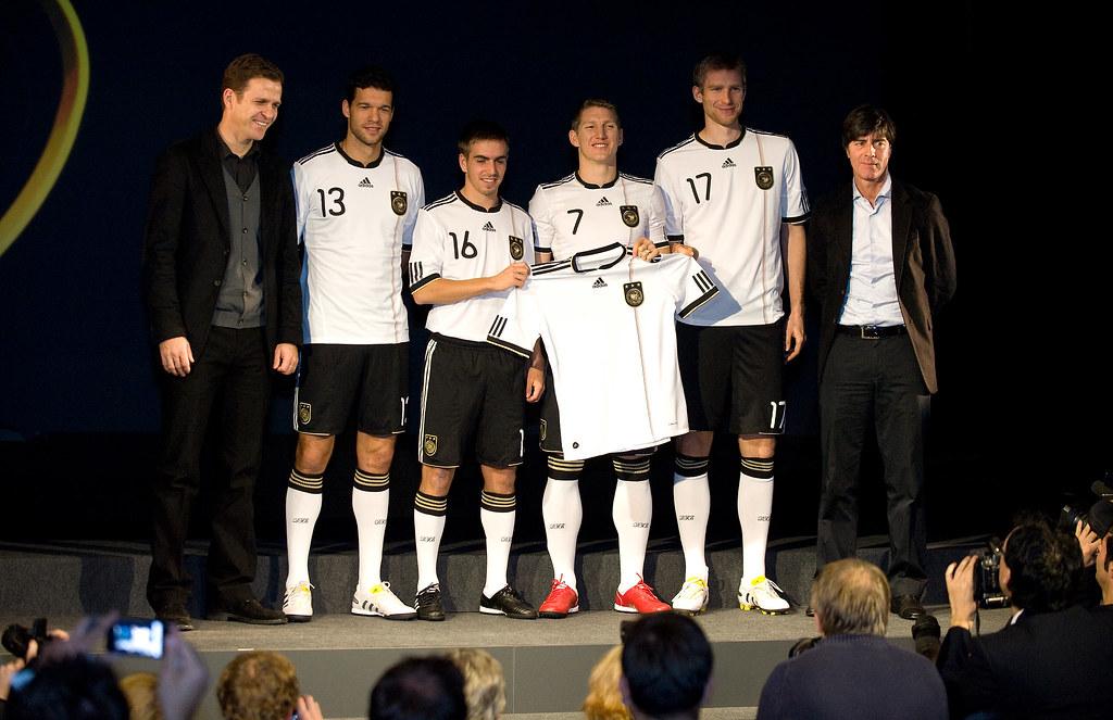 Trikotsätze günstig bestellen Vereinsexpress Fußballtrikot Satz Nike adidas Puma Jako Erima Uhlsport