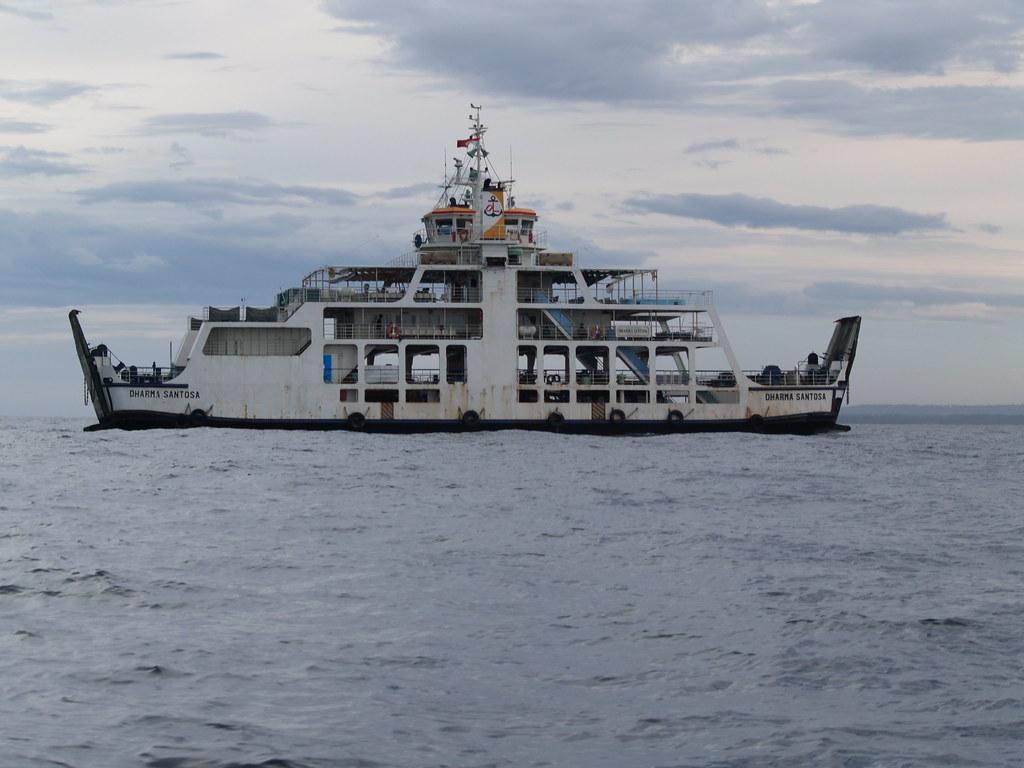 Vagamundos 2006. En barco de Lombok a Flores, pasando por Komodo