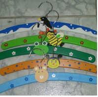 Colgadores de ropa colgador de ropa infantil 33 cm de for Colgadores de ropa metalicos