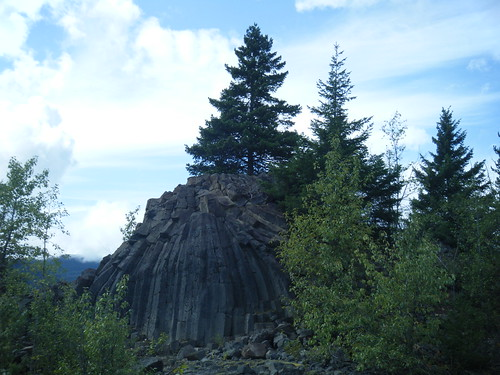 Rocky outcrop on the Sea to Sky Trail, BC | by Trans Canada Trail / Le sentier Transcanadien