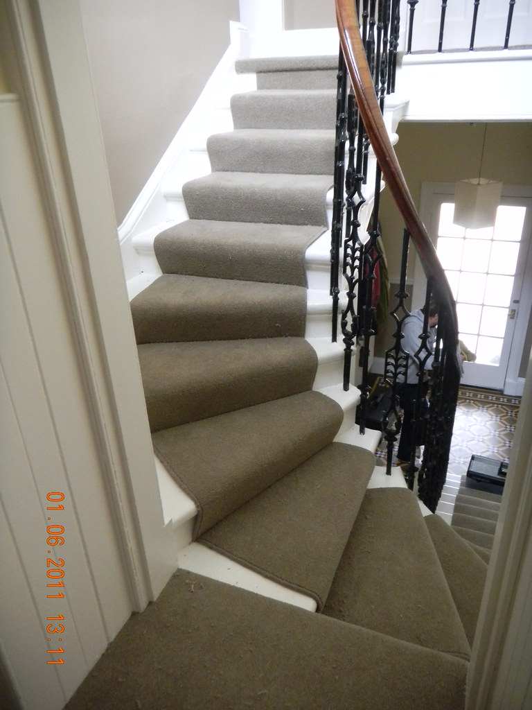 ... Spiral Stair Runner And Rods  Carpet  Manx, Pandora Plains, Antler (9