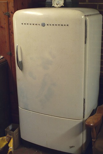 40s general electric deluxe refrigerator | a nice deluxe
