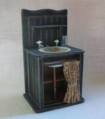 "Marquis Miniatures: Black Sink (1"" Dollhouse Scale)"