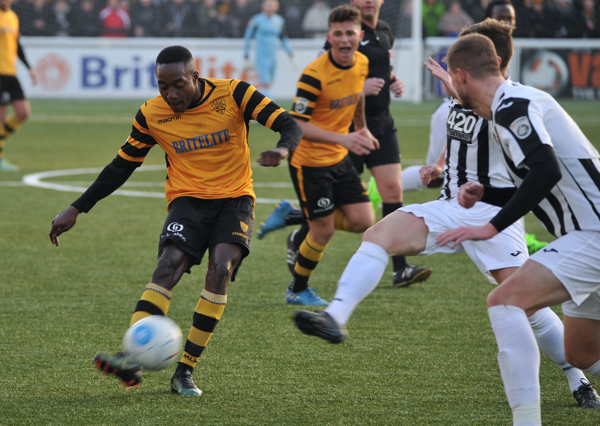 Maidstone United v Torquay United 239