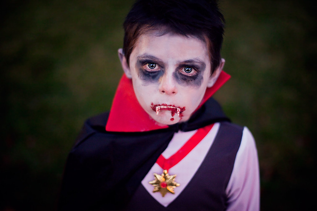 child vampire costume by eric ashley hintzsche - Vampire Pictures For Kids