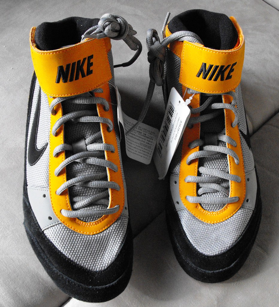 ... NIKE Takedown IV Supreme Wrestling Shoes Size 9 US,
