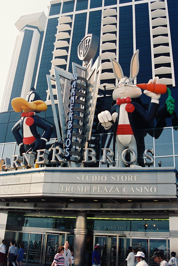 Warner Brothers Studio Store A Decade Past In Atlantic