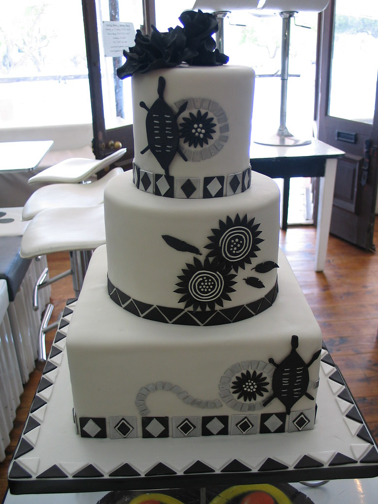 south african wedding cakes pictures black amp white traditional wedding cake in deliciou 20294