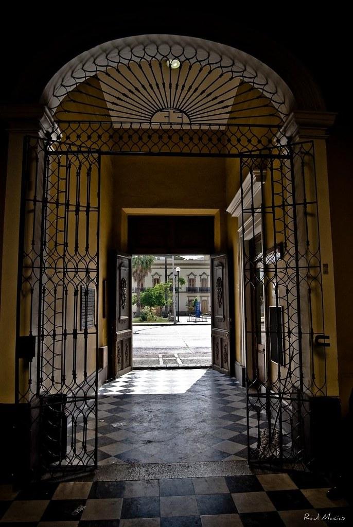 Puerta casa de los perros guadalajara jalisco mexico flickr for Puerta para perros
