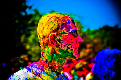 Holi festival : shaved head of many colors | by tibchris