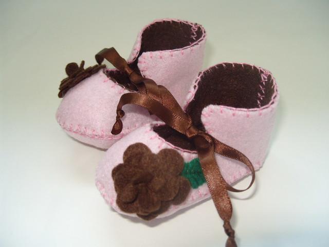 Chocolate Shapes To Put Around Chocolate Cakes