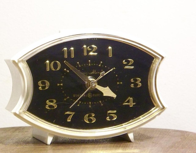 Back Up Alarm >> General Electric Alarm Clock | I think this is a cool ...