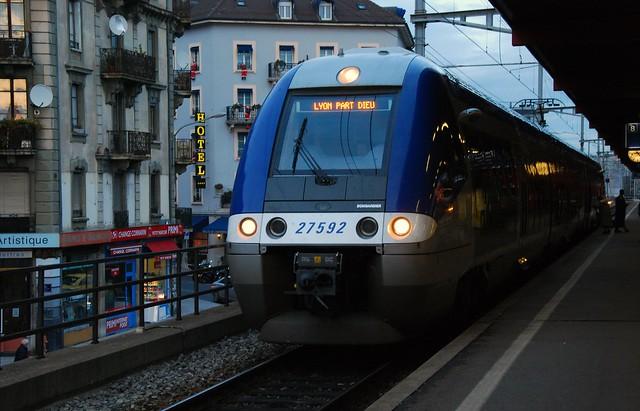 Lyon geneve train