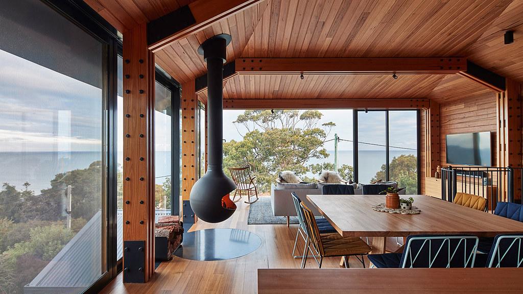 House on stilts design by Austin Maynard Architects in Australia Sundeno_02