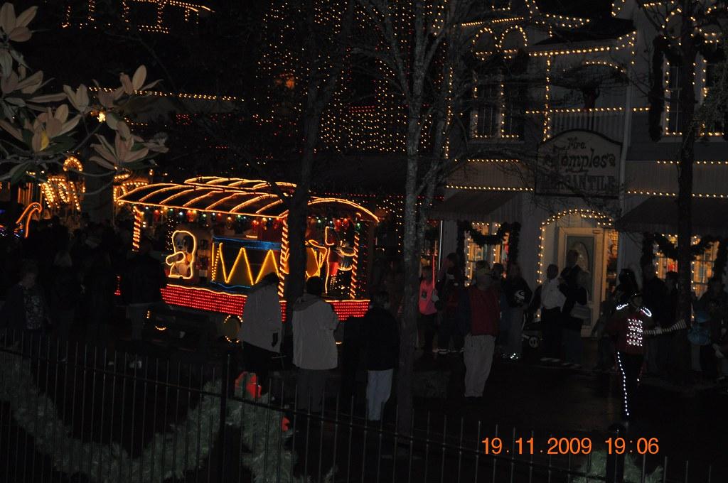 Dollywood Christmas Parade | 1198 McCarter Hollow Road ...