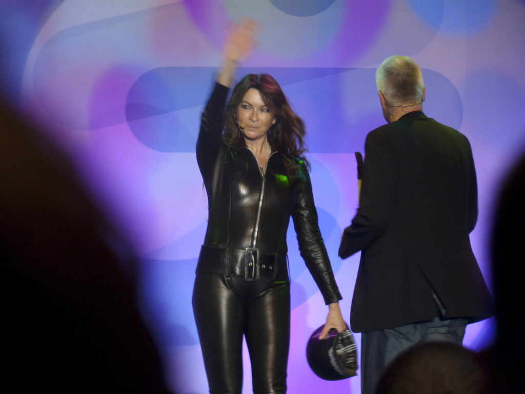 suzi perry uk tv the gadget show presenter on channel