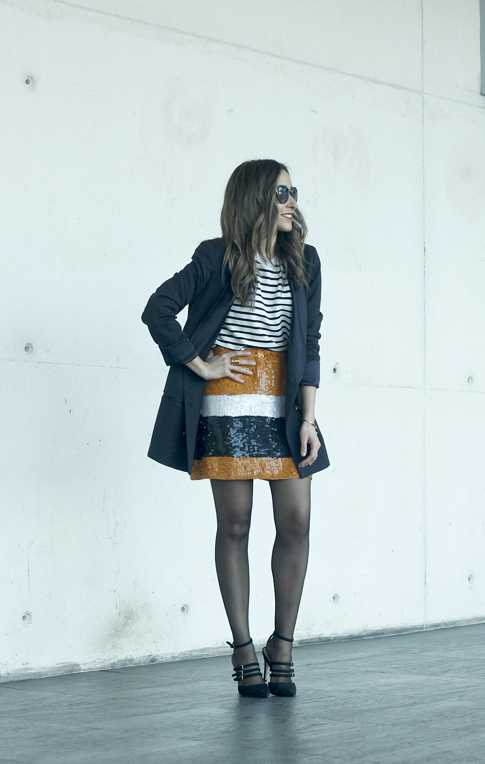 Striped T-Shirt Sequin skirt black blazer madrid fashion week street style fashion outfit04.jpg10
