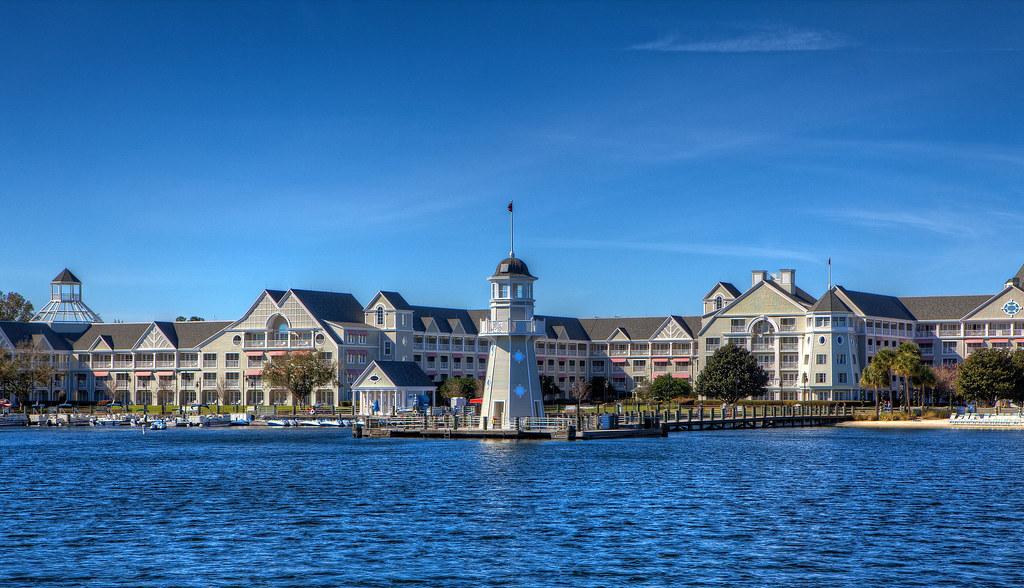 Disney Resorts Disney S Yacht Club The Yacht And Beach C Flickr
