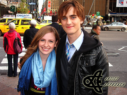 Is charlotte Arnold dating landon liboiron?