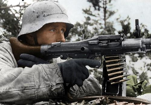 ww2 machine gunner