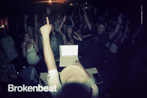 Crowd @ Brokenbeat | by Accent Creative