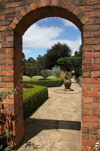 Brick garden arch | Photo taken at Cloudehill Garden ...