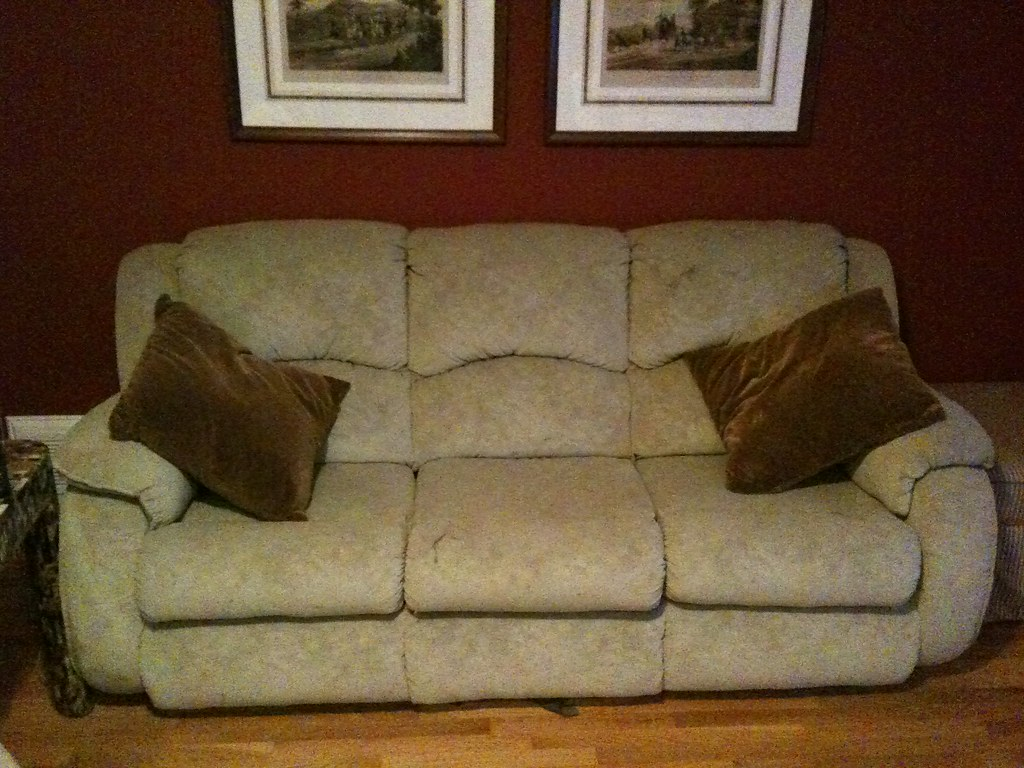 Rooms To Go Sleeper Sofa And Recliner Loveseat Purchased