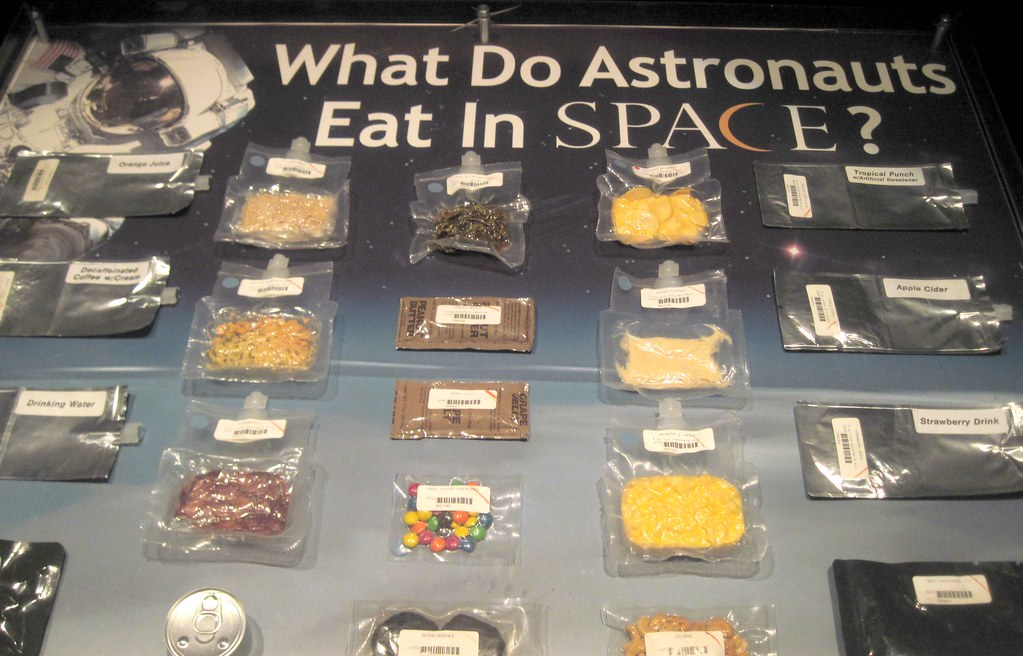 what do astronauts eat in space for breakfast - photo #1