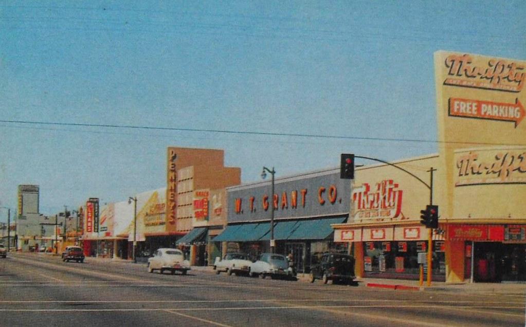 Vintage Postcard Photo 1950s W T Grant Grants Department S