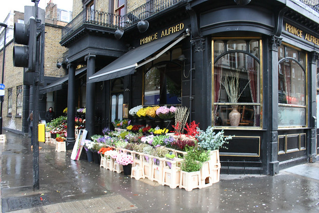 Flower shop in london angela flickr for Angela florist decoration
