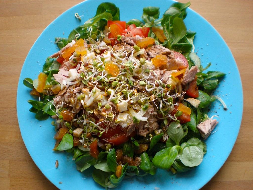 salat diesmal mit thunfisch feldsalat mit tomaten thunfi flickr. Black Bedroom Furniture Sets. Home Design Ideas