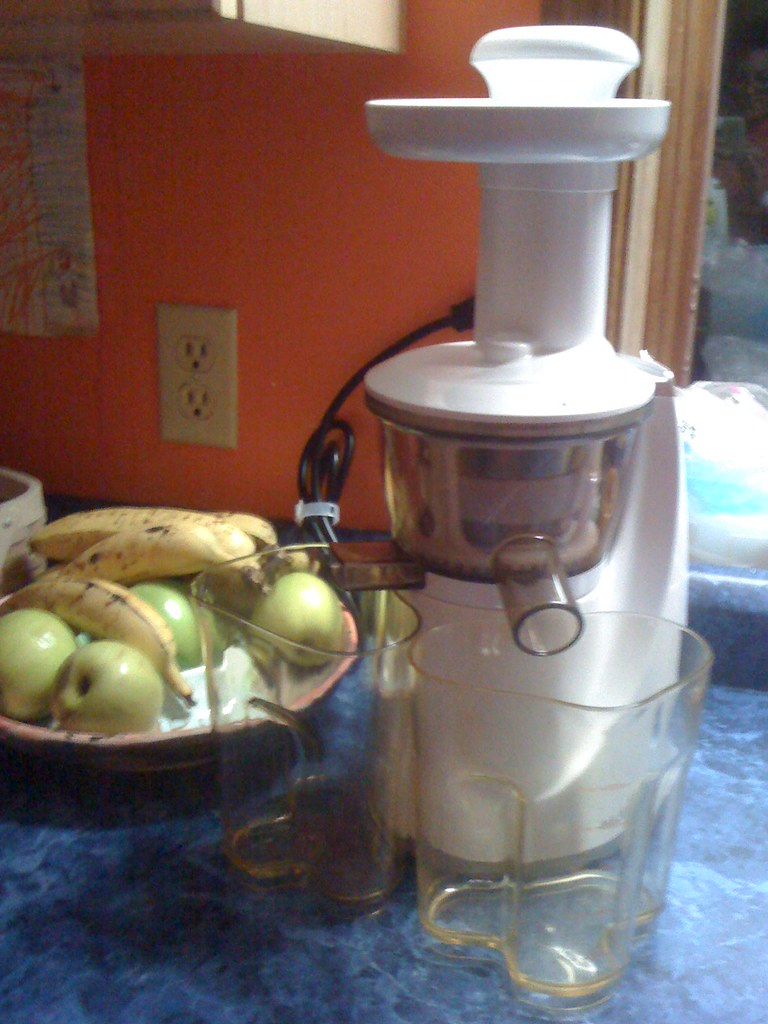 Slow Juicer For Ginger : Our brand new slow-juicer bought a fabulous juicer Oct 31 ? Flickr