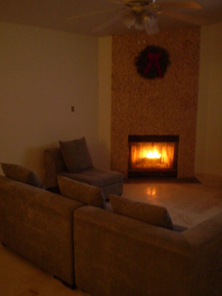 Wohnzimmer - Das erste Feuer im Kamin | Vali | Flickr