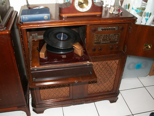 Vintage Record Player Cabinet >> 1946 RCA Victor Victrola 59V1 | I bought this baby also on e… | Flickr