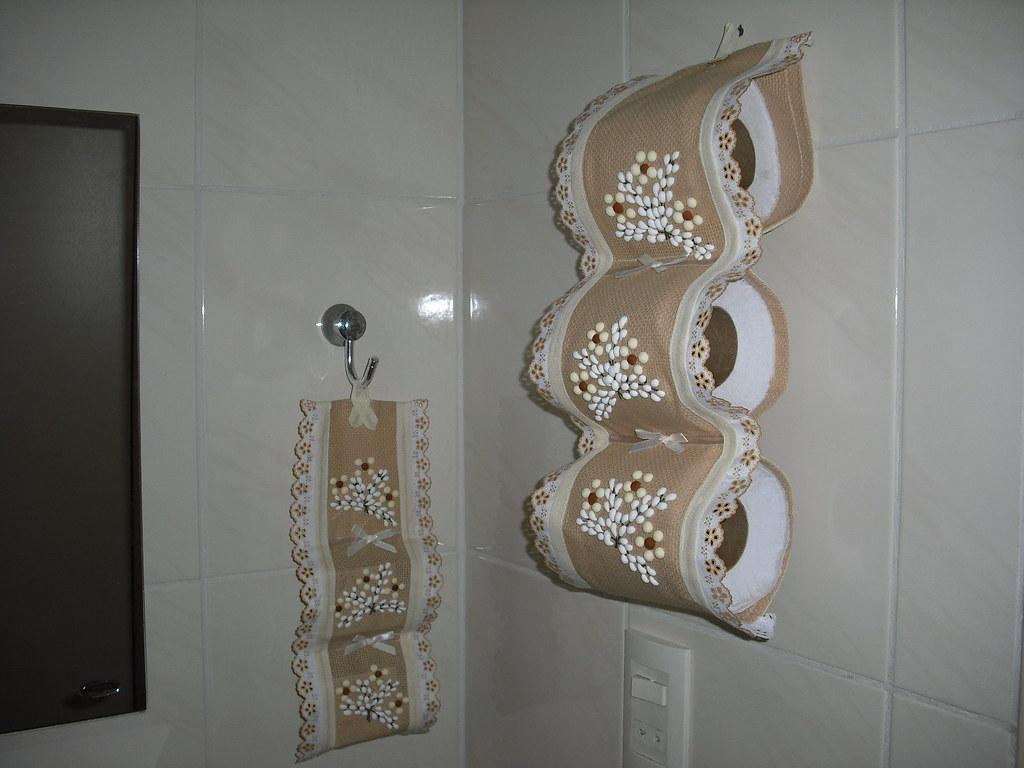 Jogo de porta papel higi nico e sabonete em tecido flickr - Papel para azulejos de bano ...
