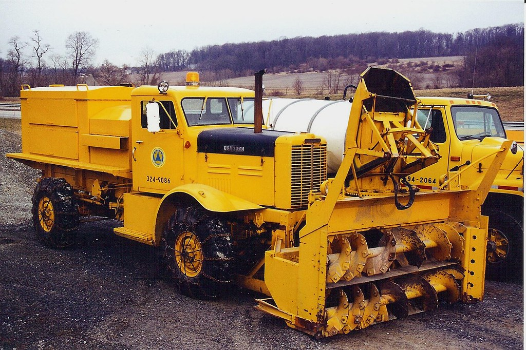Snow Thrower Truck : Oshkosh snow blower may be ex military in use with