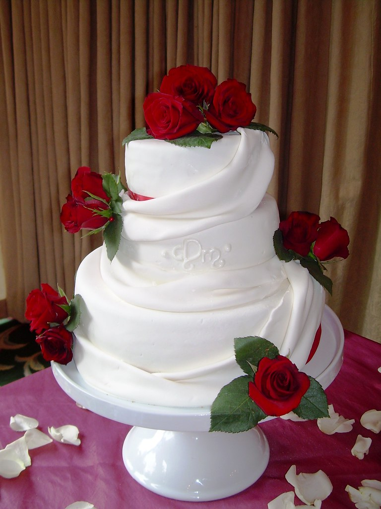 red roses wedding cake vancouver b.c. www.sugarfixcakes.co… | Flickr